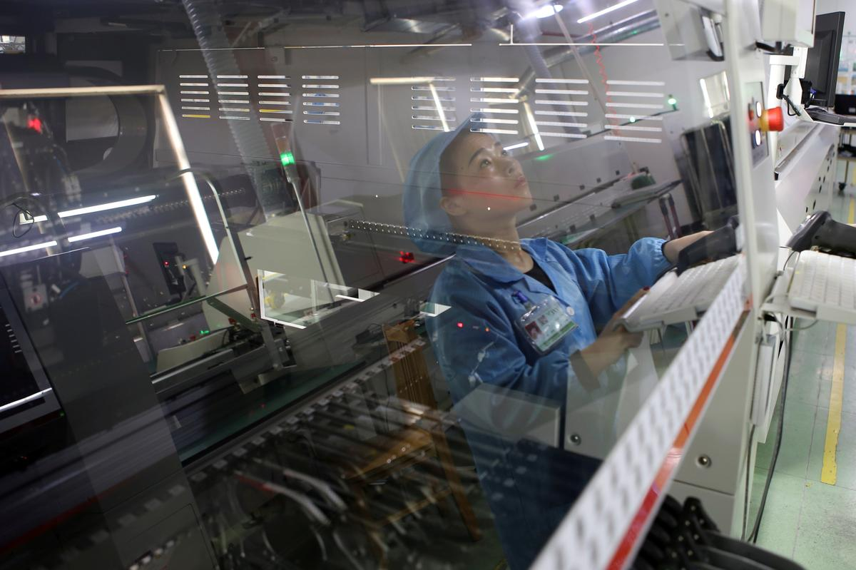 China's first-quarter growth unexpectedly steadies, but too early to call clear recovery